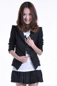 FASHION สูทตัวสั้น สีดำ ไหล่ยกสูง ช่วงหลังเสื้อแต่งเป็นระบาย น่ารักมาก เหมาะสำหรับสาวมั่น สาวออฟฟิต DONUT FASHION (พร้อมส่ง)