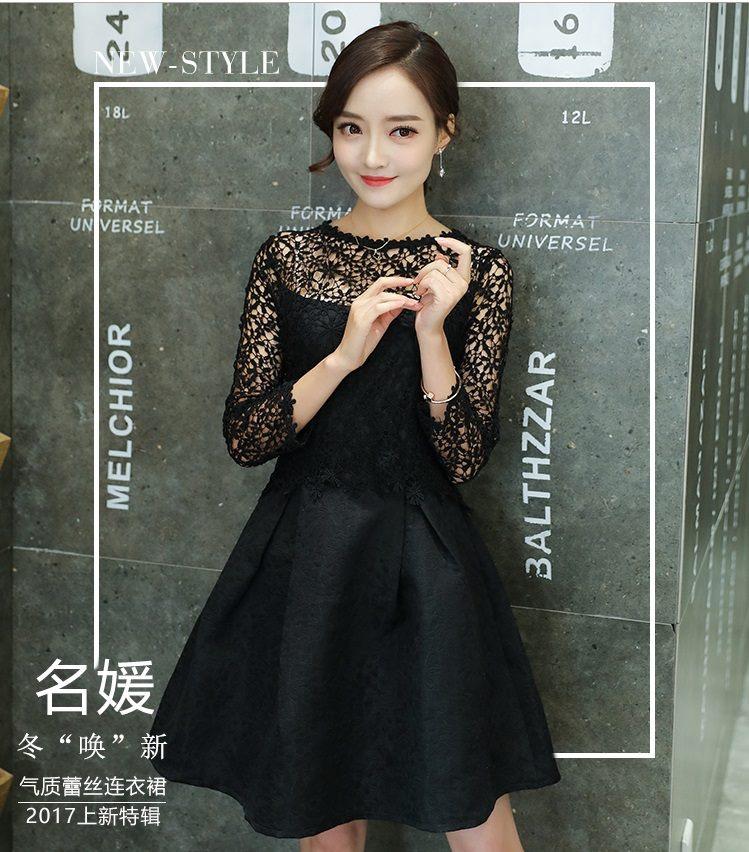 ชุดเดรสสีดำสั้น ตัวเสื้อผ้าถักโครเชต์ลายดอกไม้ แขนยาว