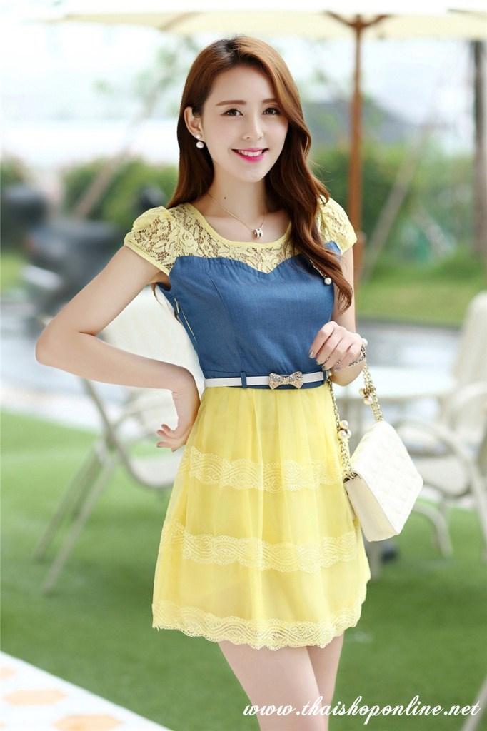 ชุดเดรสสวยๆ เดรสตัวเสื้อผ้ายีนส์ อกและไหล่ผ้าลูกไม้แบบนิ่มสีเหลือง ยืดหยุ่นได้ดี กระโปรงผ้าไหมแก้วสีเหลือง