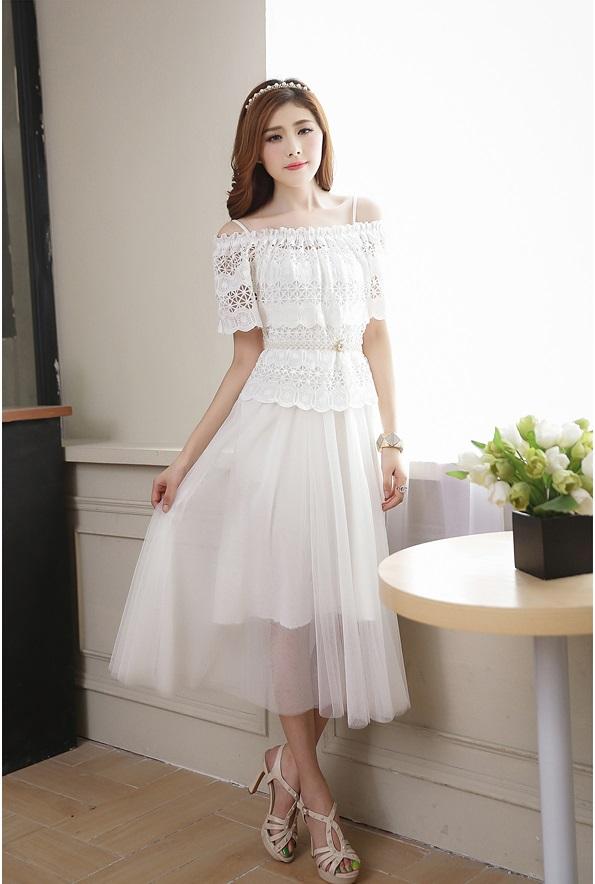 แฟชั่นเกาหลี set 2 ชิ้น เสื้อและเดรสแยกชิ้นกัน มาพร้อมเข็มขัดมุกสีขาว