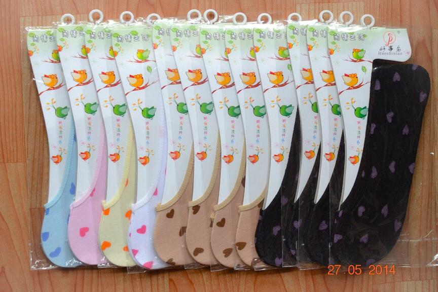S007 **พร้อมส่ง** (ปลีก+ส่ง) ถุงเท้าคัทชู สีสัน มีลาย คละ 6 สี เนื้อดี งานนำเข้า(Made in China)
