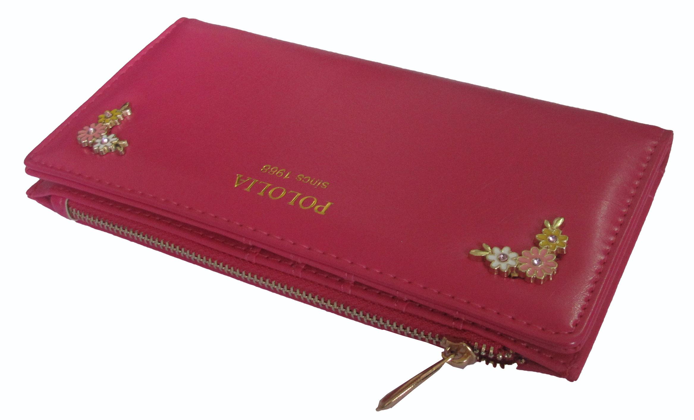 กระเป๋าแฟชั่น POLOLIA ประดับด้วย ดอกไม้เล็กๆ ที่มุมของกระเป๋า มี สีดำ และสีชมพู