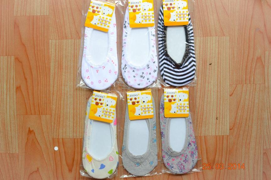 U031**พร้อมส่ง** (ปลีก+ส่ง) ถุงเท้าเด็กหญิง วัย 3-5 ขวบ ใส่กับคัทชู ลวดลายสวย เนื้อดี งานนำเข้า ( Made in China)