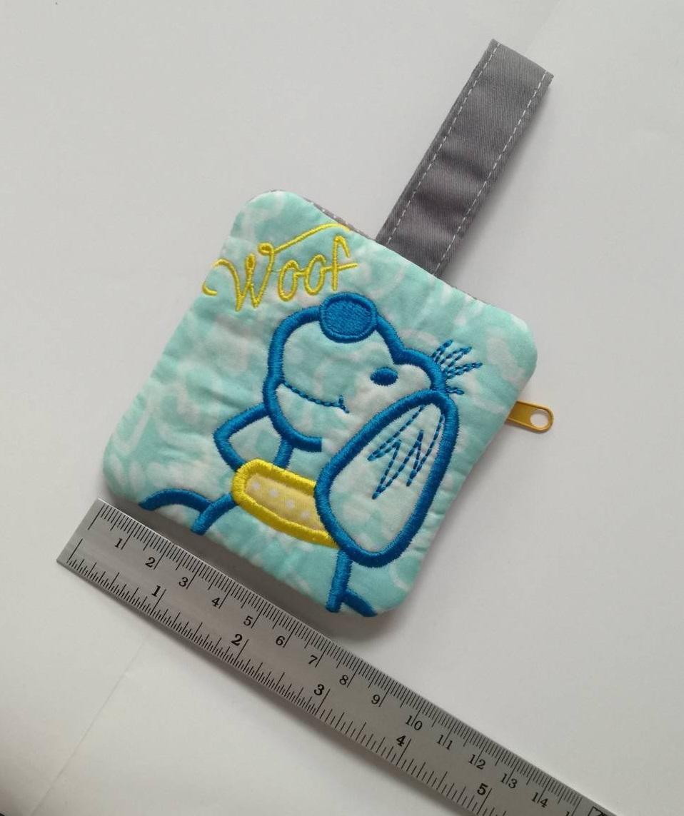 กระเป๋าผ้าใส่เหรียญ ปักลายสุนัข หรือ ใส่หูฟัง coin pouch, ear bud pouch
