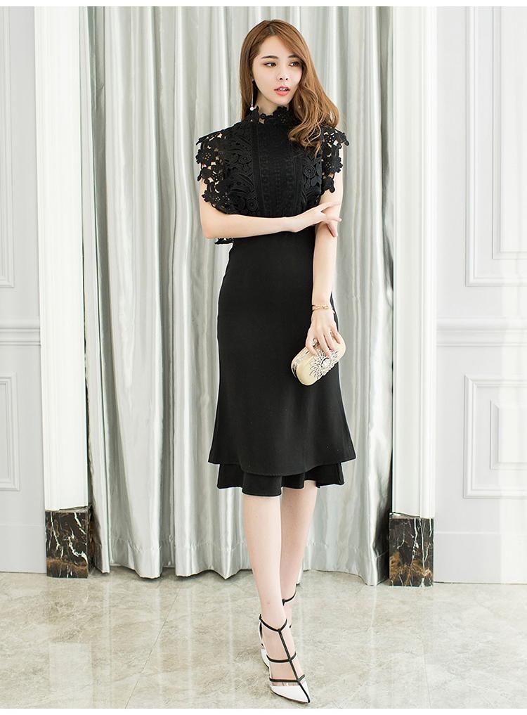 ชุดเดรสสีดำ ตัวเสื้อผ้าลูกไม้ถัก ไหล่บ่าล้ำ กระโปรงผ้าโพลีเอสเตอร์ผสมสีดำ