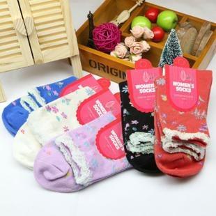 S361**พร้อมส่ง** (ปลีก+ส่ง) ถุงเท้าแฟชั่นเกาหลี ข้อยาว คละ 5 สี มี 12 คู่ต่อแพ็ค เนื้อดี งานนำเข้า(Made in China)