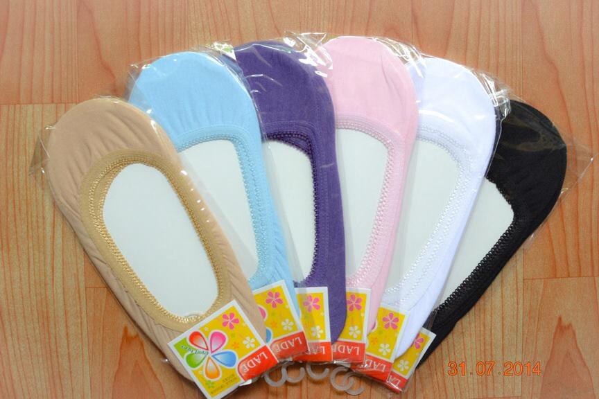 S260**พร้อมส่ง** (ปลีก+ส่ง) ถุงเท้าคัทชู สีล้วน ไม่มีลาย ขอบลูกไม้ คละ 6 สี เนื้อดี งานนำเข้า(Made in China)
