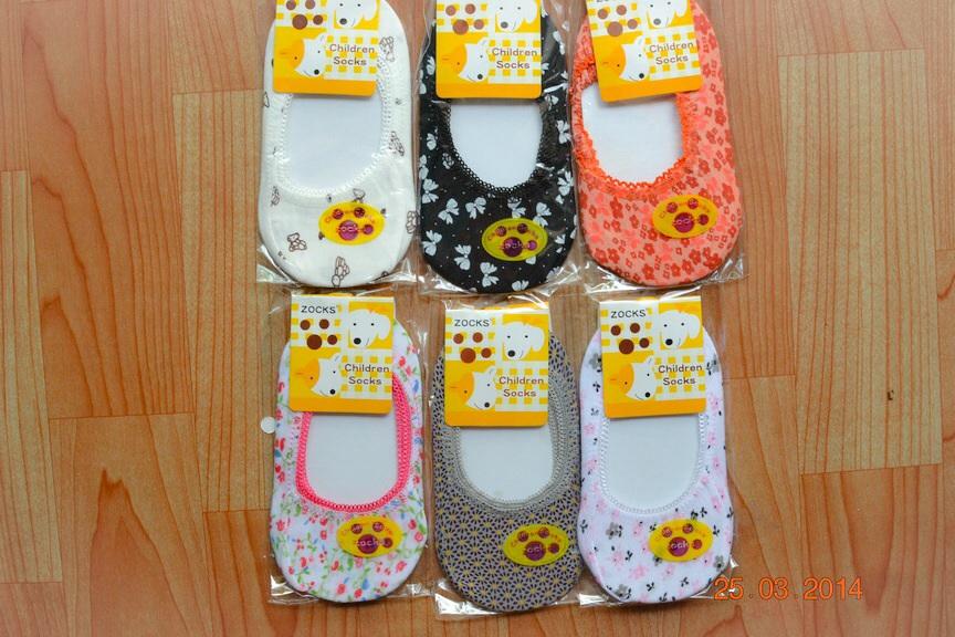 U032**พร้อมส่ง** (ปลีก+ส่ง) ถุงเท้าเด็กหญิง วัย 1-3 ขวบ ใส่กับคัทชู ลวดลายสวย เนื้อดี งานนำเข้า ( Made in China)
