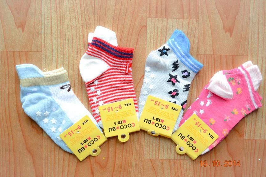 U040-5 **พร้อมส่ง** (ปลีก+ส่ง) ถุงเท้าเด็ก หญิง+ชาย COCO & BU (ขนาด 9-15 cm.) มีกันลื่น และ มีหูด้านหลัง เนื้อดี งานนำเข้า ( Made in China)
