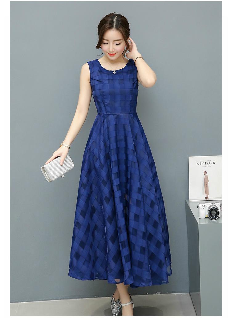 ชุดเดรสยาว แขนกุด ผ้าโพลีเอสเตอร์ผสมทอลายตารางโปร่งสลับทึบสีน้ำเงิน