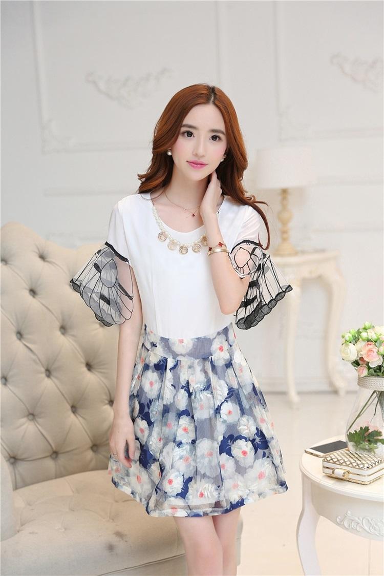ชุดเดรสน่ารัก ตัวเสื้อผ้าชีฟองเนื้อดี สีขาว แขนเสื้อเก๋เป็นปีกผีเสื้อ