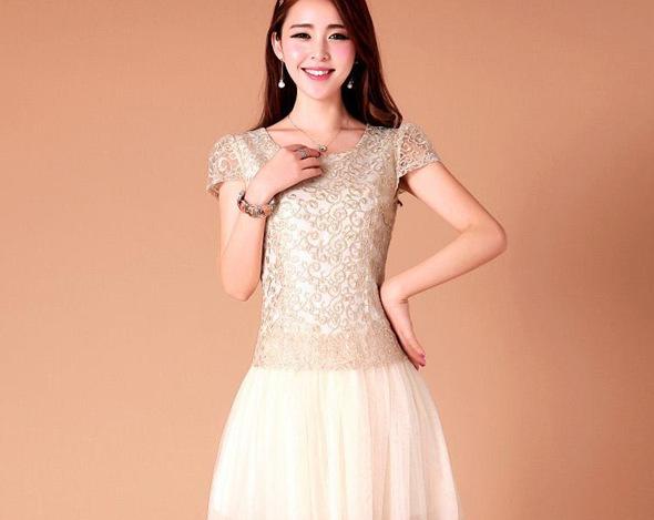 ชุดเดรสสั้น Brand Yiyufang ชุดเดรส ตัวเสื้อผ้าโปร่งปักลายดอกไม้ สีเหลือบทอง ซิบด้านข้างลำตัว กระโปรงผ้าโปร่งสีครีม 2 ชั้น (พร้อมส่ง)