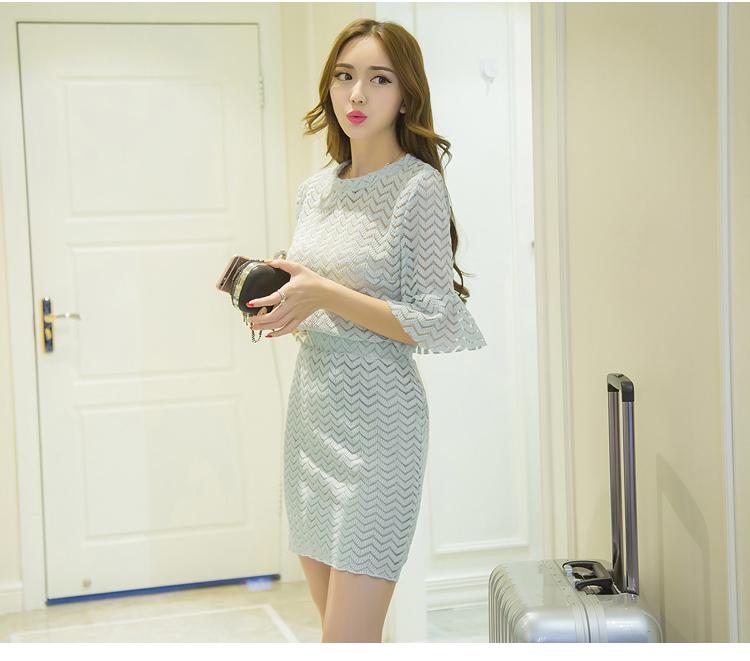 แฟชั่นเกาหลี set เสื้อ และกระโปรงน่ารักมากๆ ผ้าลูกไม้ยืดลายตามแบบ สีเขียวอมเทา