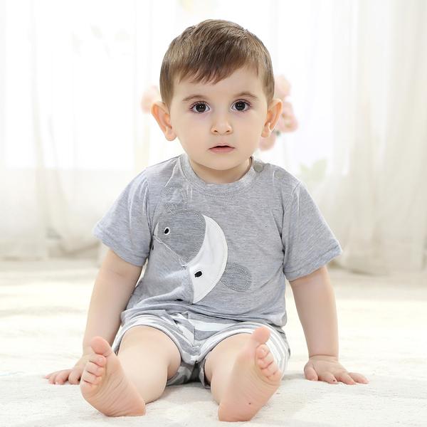 เสื้อผ้าเด็กทารก ราคาส่งจากโรงงาน เด็กผู้ชาย รหัส H2026 ชุดjumpsuit รูปวัวสีเทาแขนสั้น 1 ตัว ไซร์ 70 (เด็กสูง 59-66 cm )
