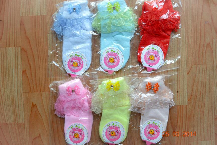 U030**พร้อมส่ง** (ปลีก+ส่ง) ถุงเท้าเด็กหญิง วัย 3-5 ขวบ ขอบลูกไม้ แต่งโบว์น่ารัก เนื้อดี งานนำเข้า ( Made in China)