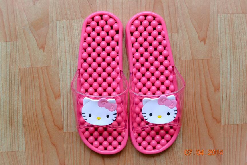 K011-PK **พร้อมส่ง** (ปลีก+ส่ง) รองเท้านวดสปา เพื่อสุขภาพ ปุ่มเล็ก คิตตี้ kitty สีชมพู ส่งคู่ละ 150 บ.
