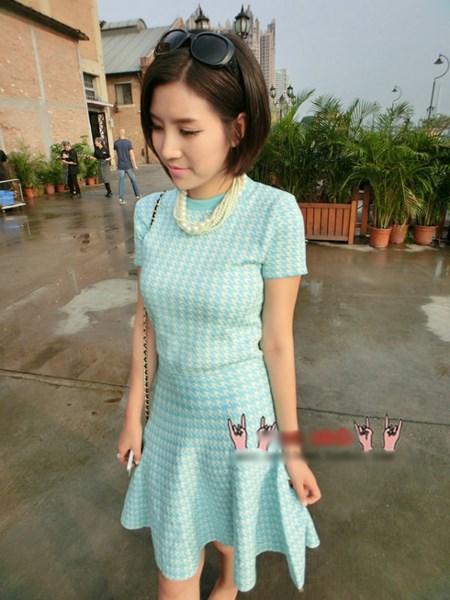 เสื้อผ้าแฟชั่น Vivi party ครบ set เสื้อ+กระโปรง ผ้านิตติ้งสีฟ้า ยืดหยุ่นได้ดี แขนสั้น กระโปรงทรงย้วย (พร้อมส่ง)