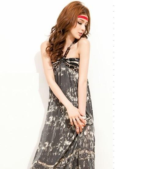 MAXI DRESS ชุดเดรสยาวแฟชั่น ผ้า SPANDEX เนื้อดี แต่งลูกปัดไม้ที่สายผูกคอ สม็อคหลัง สีเทา ใส่ออกงานได้ สวยมากๆ ค่ะ THAISHOPONLINE (พร้อมส่ง)