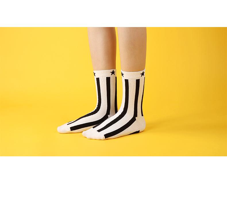 S495**พร้อมส่ง** (ปลีก+ส่ง) ถุงเท้าแฟชั่นเกาหลี ข้อยาว เนื้อดี งานนำเข้า(Made in china)