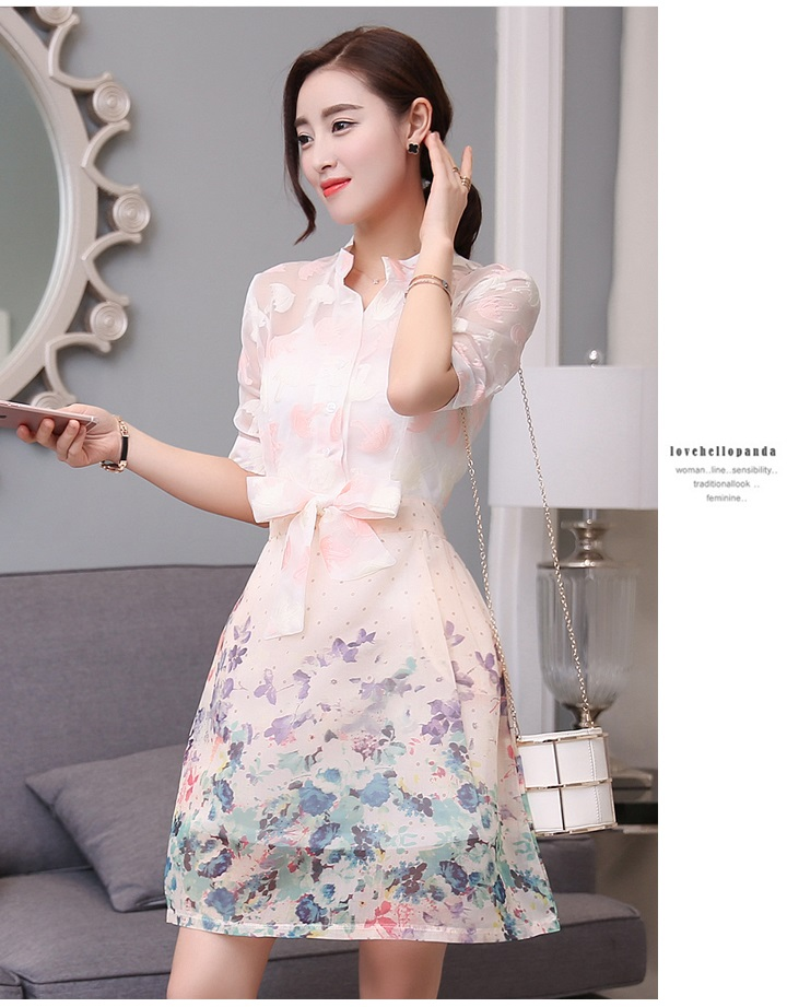 ชุดเดรสน่ารัก ตัวเสื้อผ้าไหมแก้ว organza สีขาวทอลายรูปร่มสีครีม และสีโอรส