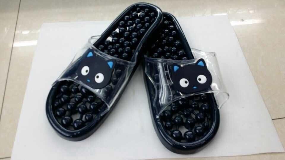K014-BK **พร้อมส่ง** (ปลีก+ส่ง) รองเท้านวดสปา เพื่อสุขภาพ ปุ่มเล็กสลับใหญ่ ลายแมว สีดำ ส่งคู่ละ 150 บ.