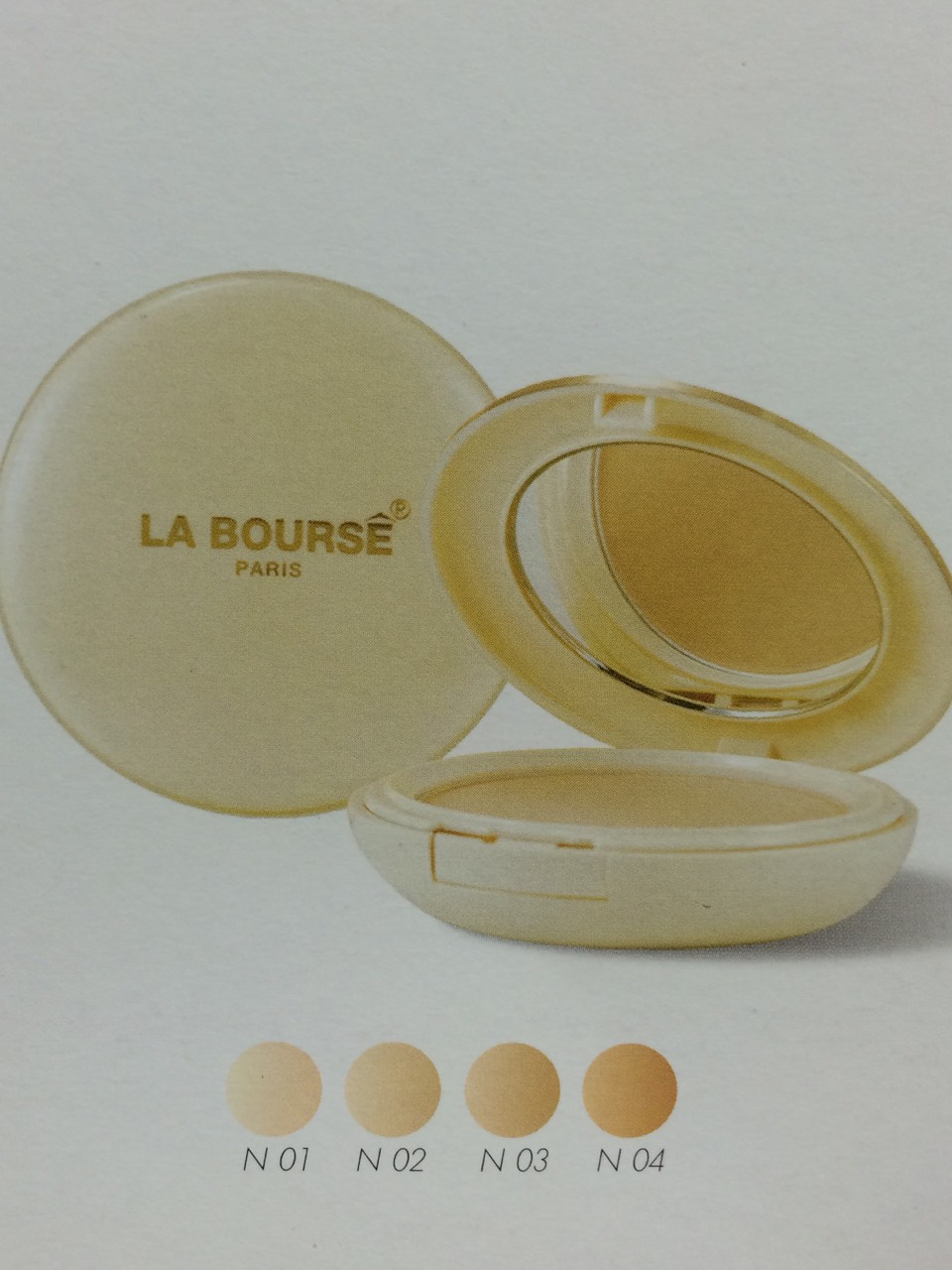 La Bourse Whitening Powder Cake UV ProtectionWith Ginseng Extract + Vitamin C & E