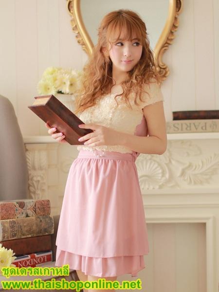 ชุดเดรสราคาถูก แฟชั่นเกาหลี แนวหวานน่ารัก เสื้อสีขาว คอกลม แขนกุด ด้านหน้าแต่งเป็นดอกกุหลาบ กระโปรงสีม่วง ผ้าชีฟอง มีซับใน ซื้อเป็นของขวัญให้แฟนเหมาะมากๆ ครับ(พร้อมส่ง)