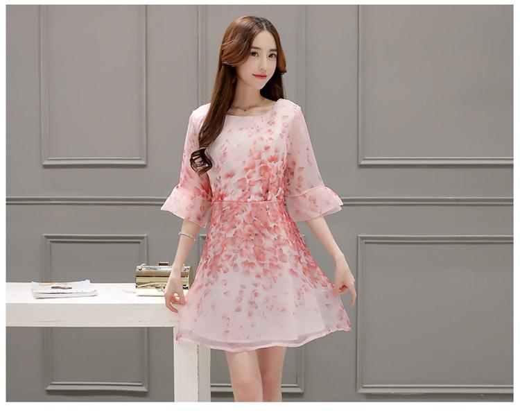ชุดเดรสผ้าไหมแก้ว organza สีชมพู ลายกลีบดอกกุหลาบ สีชมพูแดง