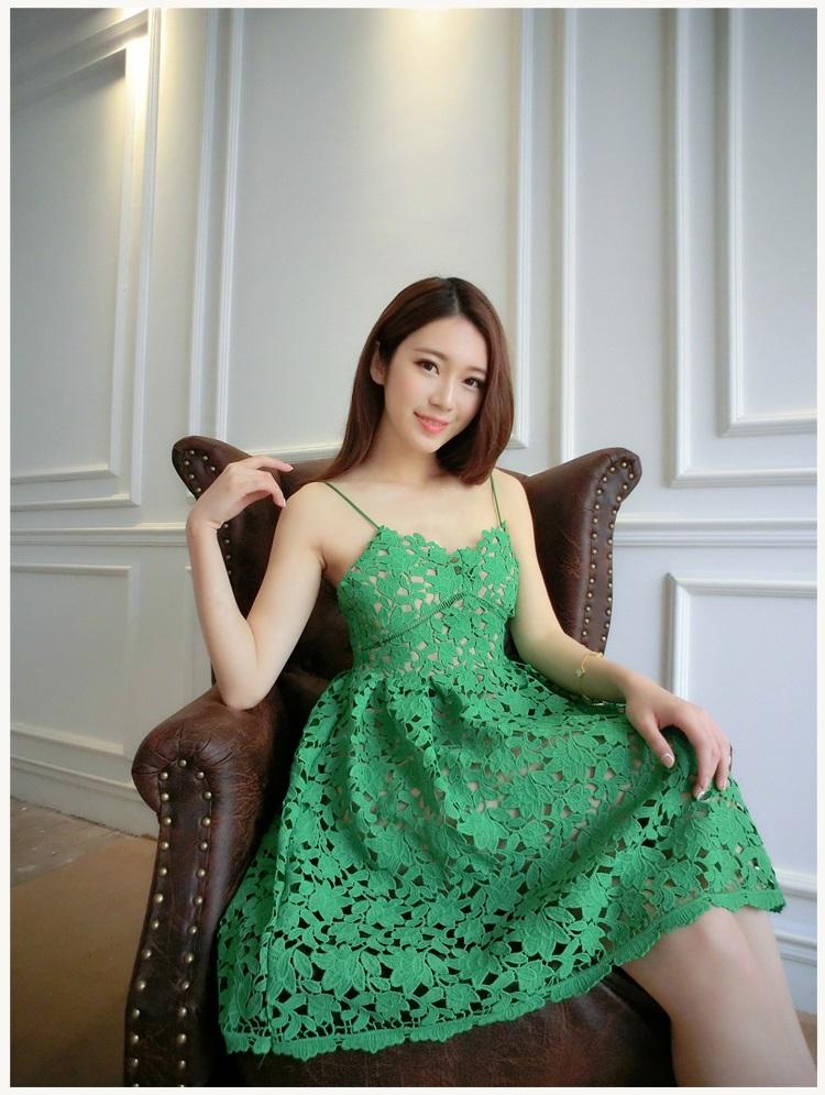 ชุดเดรสสั้น สีเขียว