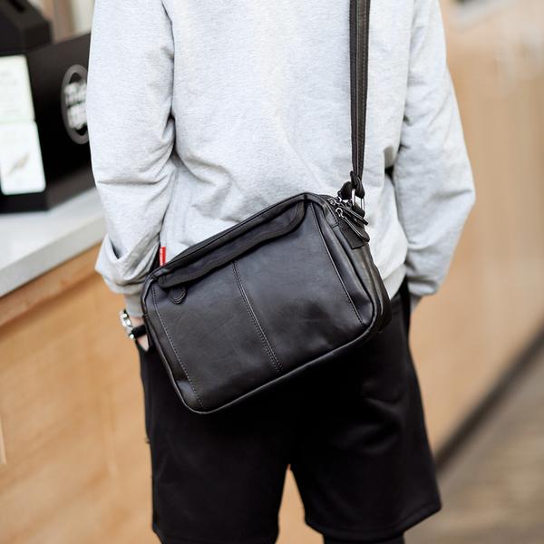 Pre-order ขายส่ง กระเป๋าผู้ชายสะพายลำลองสบายๆ Messenger bag แฟขั่นเกาหลี รหัส Man-6741 สีดำ