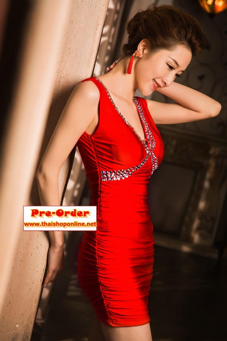Pre-Order ชุดราตรีสั้น ชุดราตรีเข้ารูป สีแดง คอวีตกแต่งด้วยคริสตัลสวยมากๆ ใส่ออกงานราตรีดูหรูหรา และเซ็กซี่มากๆ