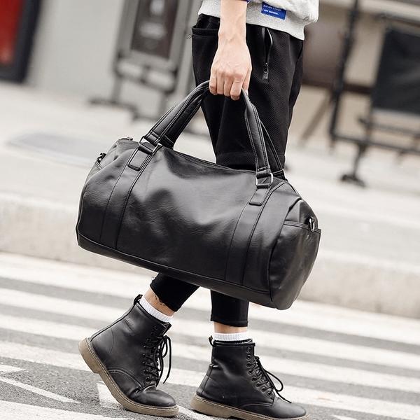 Pre-order กระเป๋าผู้ชายเดินทาง กระเป๋ากีฬาออกกำลังกาย ทรงหมอนแฟขั่นเกาหลี รหัส Man-9502-7 สีดำ