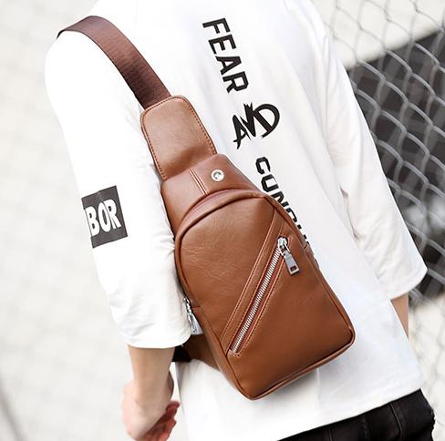 Pre-order กระเป๋าผู้ชายคาดอก สะพายลำลองสบายๆ ใส่ ipad tap 8 นิ้ว แฟขั่นเกาหลี รหัส Man-5202 สีน้ำตาล