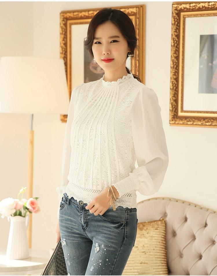 เสื้อผ้าลูกไม้ สีขาว ชนิดยืดหยุ่นได้ดี ผ้านิ่มมากๆ แขนยาว แขนเสื้อเป็นผ้าชีฟอง