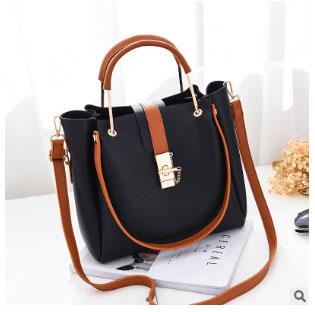 พร้อมส่ง กระเป๋าถือและสะพายข้างผู้หญิง รหัส Yi-7009 สีดำ 1 ใบ