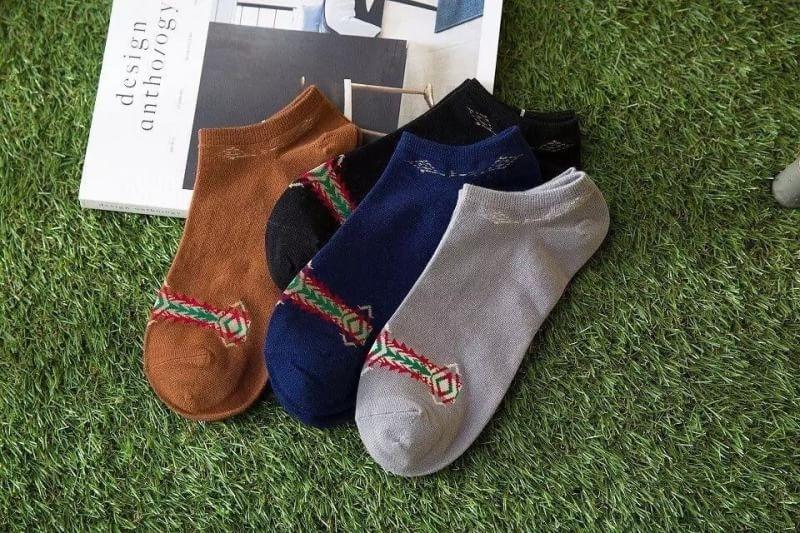 S617**พร้อมส่ง** (ปลีก+ส่ง) ถุงเท้าแฟชั่น เกาหลี ข้อสั้น คละ 5 สี 10 คู่ต่อแพ็ค เนื้อดี งานนำเข้า(Made in China)
