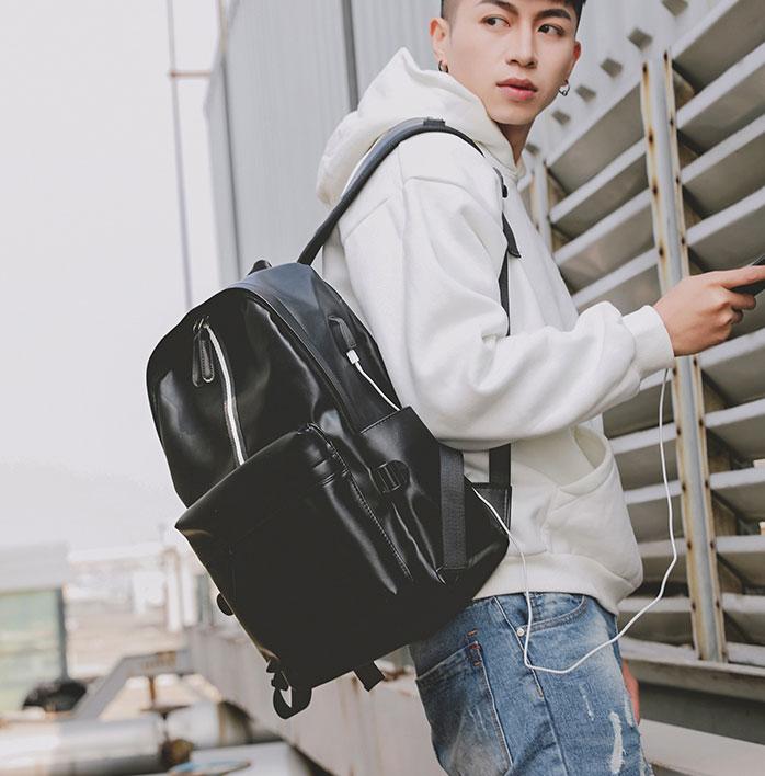 Pre-order ขายส่งกระเป๋าเป้หนังสะพายหลัง มีช่องเสียบ USB ใส่คอมพิวเตอร์ 14 นิ้ว ใส่หนังสือ ผู้ชายเแฟขั่นเกาหลี รหัส Man-305-7 สีดำ