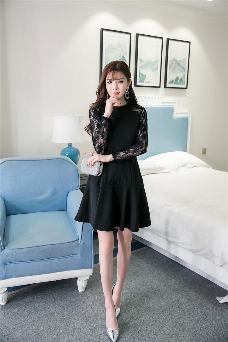 ชุดเดรสสีดำ ผ้าคอตตอนผสมโพลีเอสเตอร์เนื้อดีมาก แขนยาว ทรงสวย