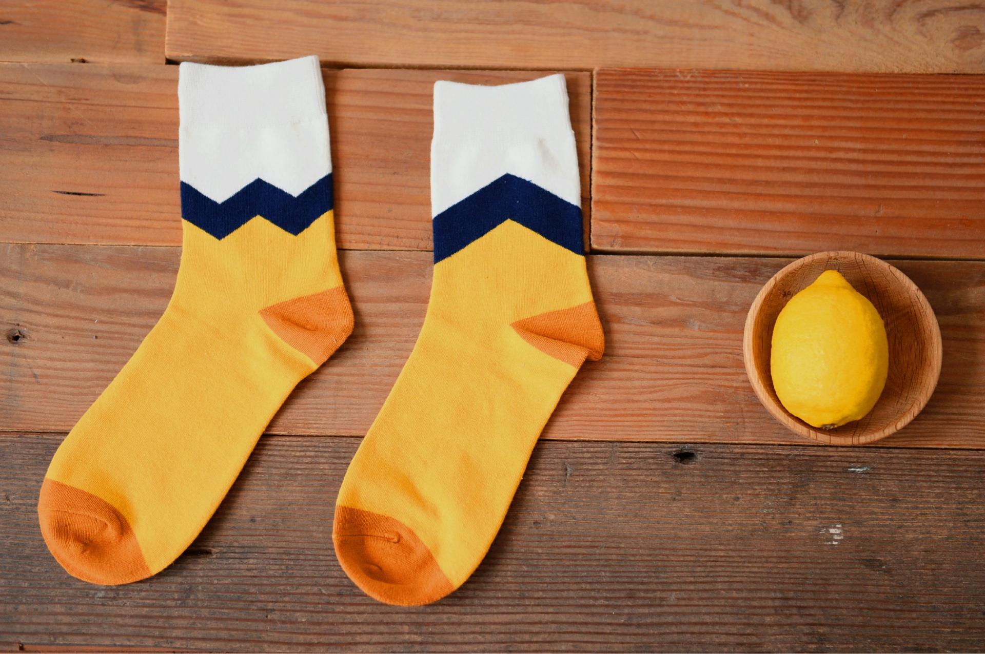 S308 **พร้อมส่ง**(ปลีก+ส่ง) ถุงเท้าข้อยาว แฟชั่นเกาหลี มี 12 คู่ต่อแพ็ค พร้อมกล่อง เนื้อดี งานนำเข้า(Made in China)
