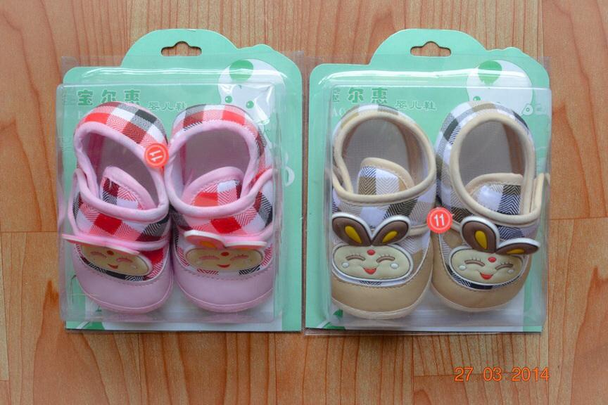 U028-1**พร้อมส่ง** (ปลีก+ส่ง) รองเท้าเด็ก วัย1-3 ขวบ ลายกระต่าย พื้นมีกันลื่น เนื้อดี งานนำเข้า ( Made in China)
