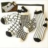 S318**พร้อมส่ง**(ปลีก+ส่ง) ถุงเท้าข้อยาวชาย+หญิง แฟชั่นเกาหลี คละ 5 ลาย จำนวน 10 คู่ต่อแพ็ค เนื้อดี งานนำเข้า(Made in China)