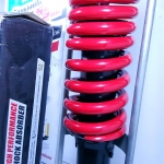 (NSR 150 RR)โช้คอัพหลังเดี่ยว YSS สำหรับ Honda NSR 150 R (สปริงแดง)