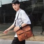 พร้อมส่ง กระเป๋าผู้ชาย Messenger สะพายข้างผู้ชาย ใส่ ipad แฟขั่นเกาหลี รหัส Man-6540 สีกาแฟใหญ่ 1 ใบ