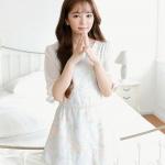มินิเดรส หรือ เสื้อตัวยาว เสื้อผ้าแฟชั่นเกาหลี ผ้าลูกไม้สีฟ้า ลายดอกกุหลาบ มาพร้อมเข็มขัดมุกสีขาว พร้อมส่ง