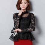 เสื้อสีดำ เสื้อผ้าลูกไม้สีดำ แขนยาว เย็บต่อกับผ้าโปร่งซีทรูลายจุดสีดำช่วงหน้าอก