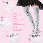 ถุงเท้าญี่ปุ่นยาวเหนือเข่าลายลูกไม้และนกน้อย