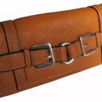 กระเป๋าสตางค์แบบ 3 พับ ดีไซน์เก๋ไก๋ มีช่องให้ใส่ของได้หลายอย่าง คุ้มค่า มีให้เลือกหลากหลายสีสัน