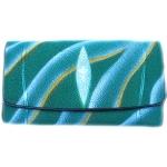 กระเป๋าสตางค์ปลากระเบน แบบ 3 พับ เม็ดใหญ่ ลาย คลื่นน้ำ สีเขียวน้ำทะเล สุดเท่ห์ ในสไตน์ของคุณ Line id : 0853457150