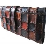 กระเป๋าสางค์ 3 พับVINTAGE STYLE กระเป๋าสตางค์หนังวัวเเท้เเบบต่อลายเท่ๆ สวยหรูสำหรับ สุภาพสตรี และสุภาพบุรุษ แถมด้วยเชือกหนังยาวประมาณ 50 เซนให้อีก1 เส้น สะดวกในถือ เหม่ะมือ