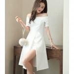 ชุดเดรสสวยๆ ผ้าคอตตอนผสมสีขาว ดีไซน์เก๋มากๆ เปิดไหล่ เข้ารูปช่วงเอว